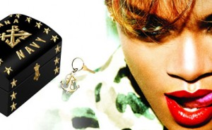 Rihanna Navy Officer's Chest Box Set Edicin Limitada