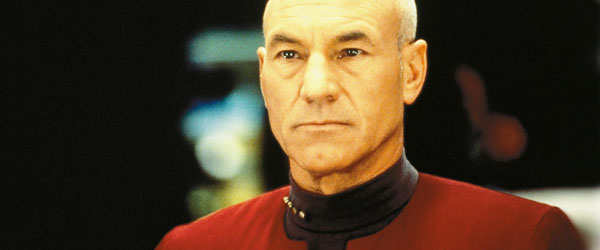 Patrick Stewart interpretando a Jean-Luc Picard