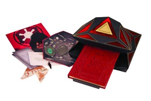holocron and removables 300x200 Book of Sith: Secrets from the Dark Side Edicin Especial