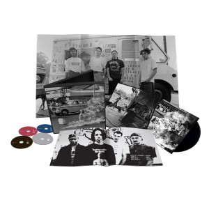 rage against the machine xx deluxe box set 20 aniversario 300x300 Rage Against the Machine XX Deluxe Box Set 20 aniversario