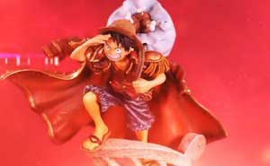 One Piece Pirate Warriors 2 Figura de Luffy en la edición coleccionista