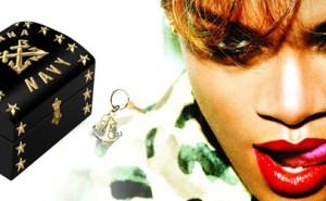 Rihanna Navy Officer's Chest Box Set Edición Limitada
